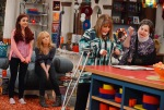Penny Marshall.Cindy Williams, Jennette McCurdy, Ariana Grande